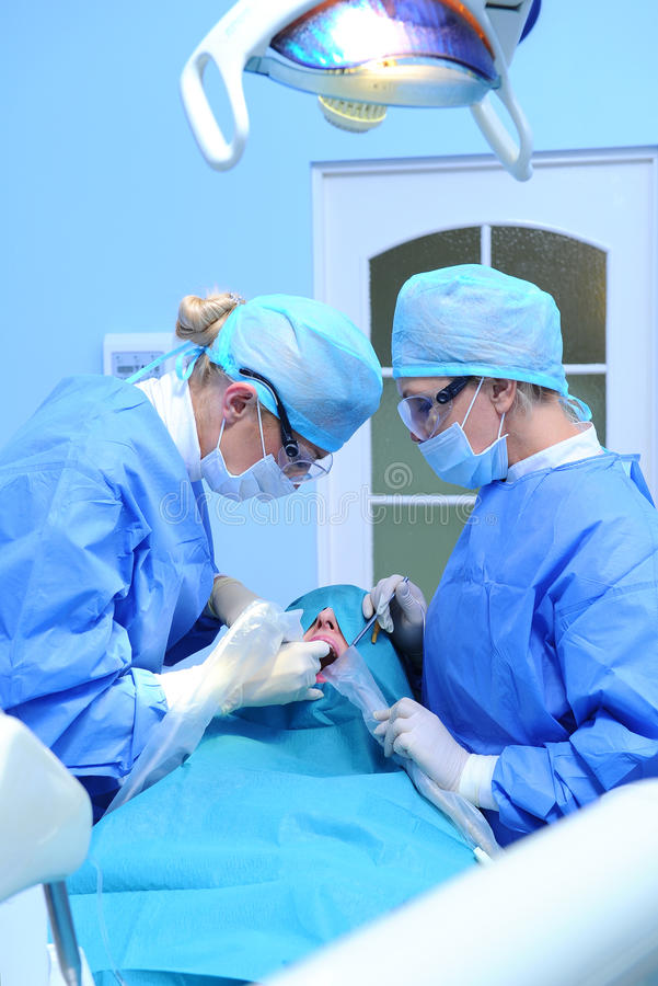 Procedura dentale di impianto immagini stock libere da diritti