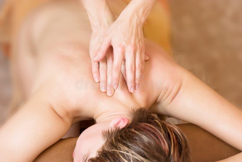 Procedura di massaggio di terapia immagini stock libere da diritti