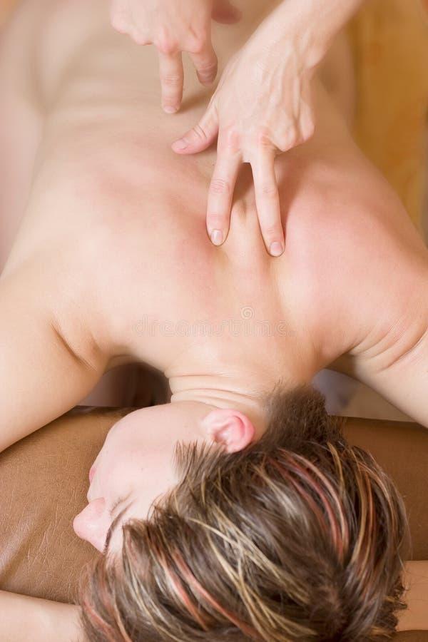 Procedura di massaggio di terapia fotografie stock