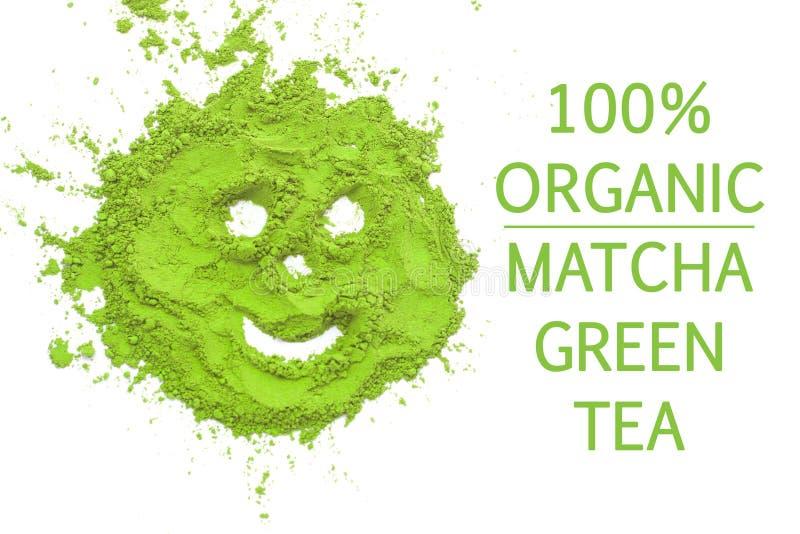 100 procentów matcha zielonej herbaty organicznie uśmiech na białym tle odizolowywającym, kopii przestrzeń, odgórny widok obraz royalty free