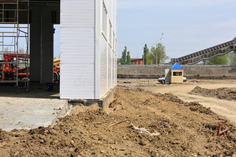 Proces budowa i wodowanie wielkie logistyki ześrodkowywamy, swój wewnętrzna apretura i plombowanie fotografia royalty free
