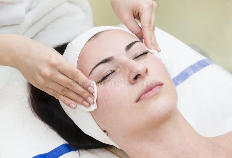 Proces van massage en facials royalty-vrije stock foto