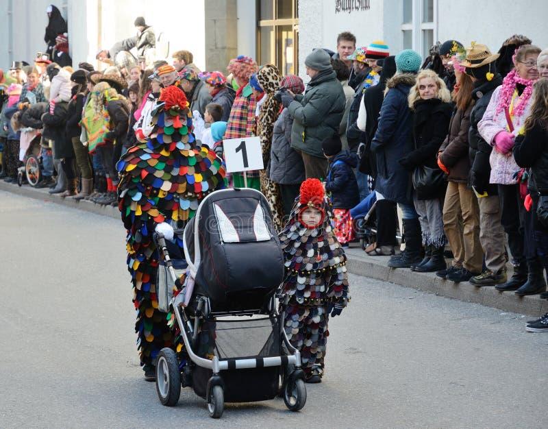 Procesión de la calle en el carnaval alemán Fastnacht imagen de archivo libre de regalías