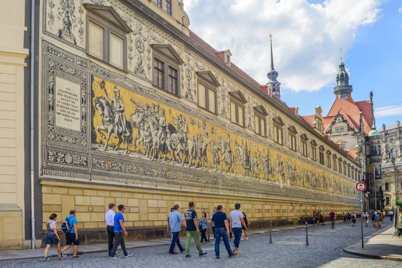 Download Procesión De La Pared De Los Príncipes En Dresden Foto editorial - Imagen de cultura, recorrido: 64200551