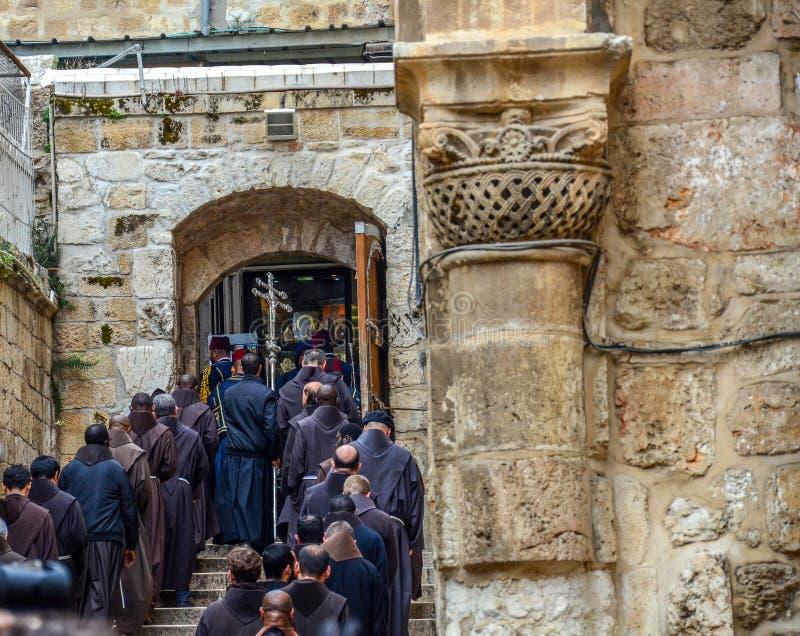 Procesión en la iglesia de Santo Sepulcro imagen de archivo
