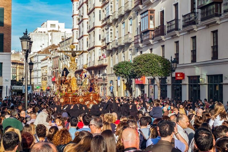 Procesión religiosa católica en la semana santa en una ciudad española fotos de archivo libres de regalías