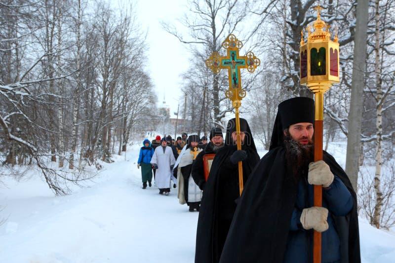 Procesión religiosa en un día de fiesta cristiano de la epifanía. fotografía de archivo libre de regalías