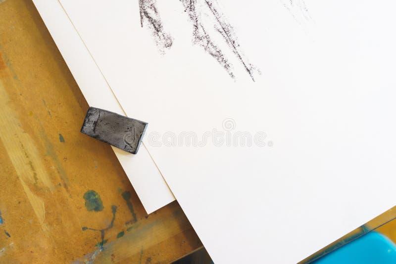 Proceso de dibujar tiza negra fotos de archivo libres de regalías