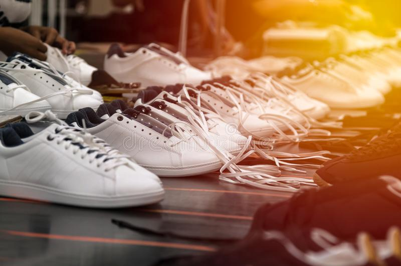Proceso de fabricación del zapato imágenes de archivo libres de regalías