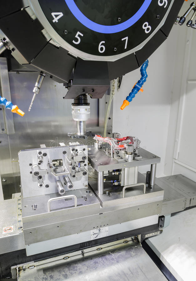 Download Proceso Industrial Del Corte Que Trabaja A Máquina Del Metal De Partes B Automotrices Foto de archivo - Imagen de herramienta, milling: 44850246