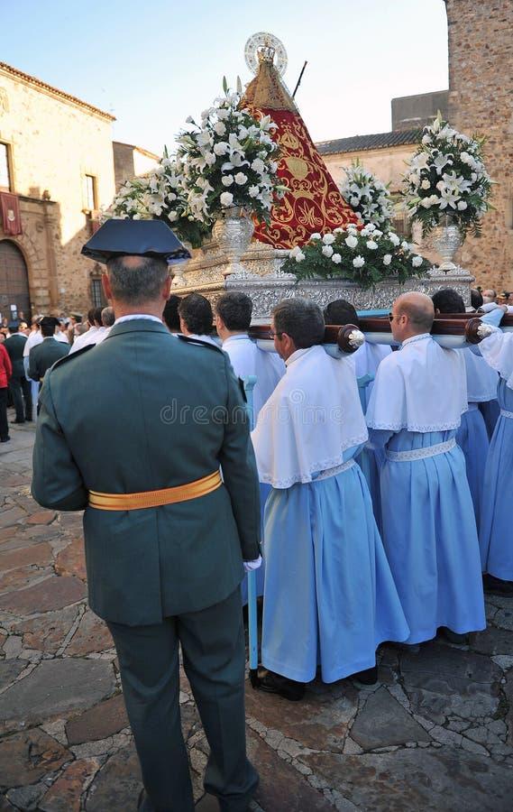 Procession av oskulden av berget, festmåltid av beskyddaren, Caceres, Extremadura, Spanien arkivbild