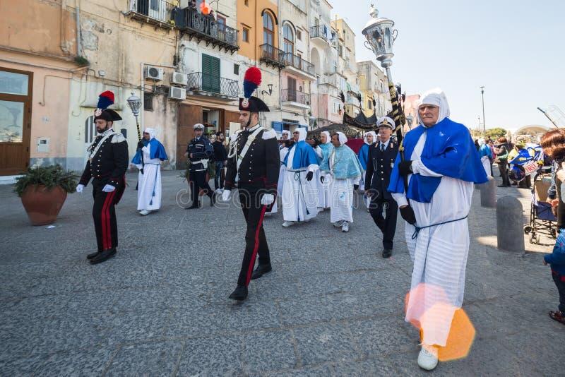 Procession för PROCIDA-PÅSKlångfredag royaltyfri bild