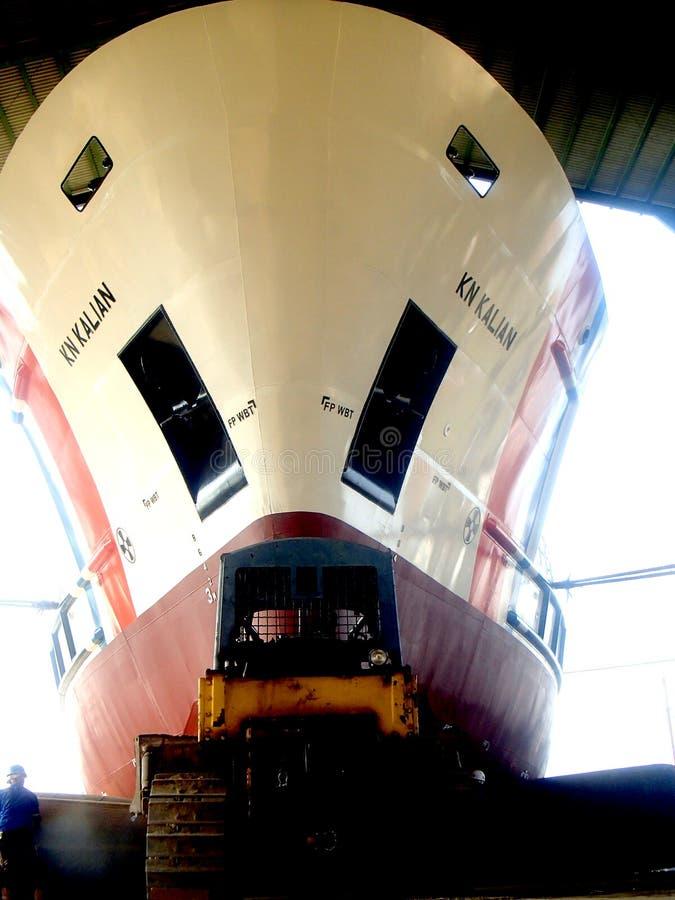 Processo di lancio della nave fotografie stock libere da diritti