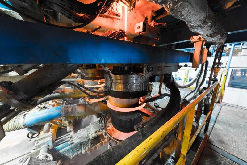 Processo di produzione della vetroresina al fondo di fabbricazione con l'attrezzatura di industria immagini stock