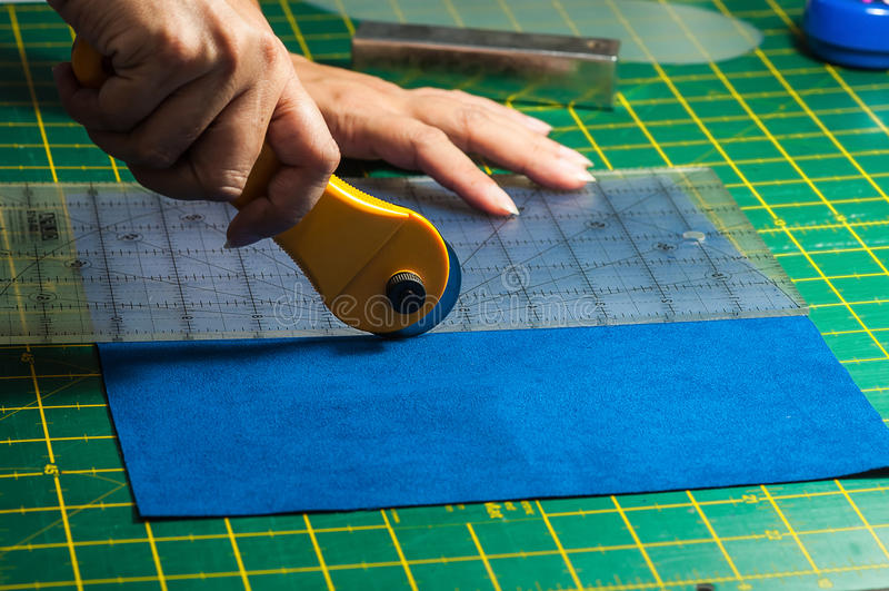 Processus de coupe de tissu photos libres de droits
