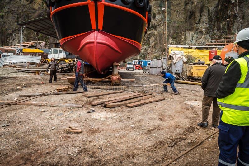 Processus de lancement de bateau image libre de droits