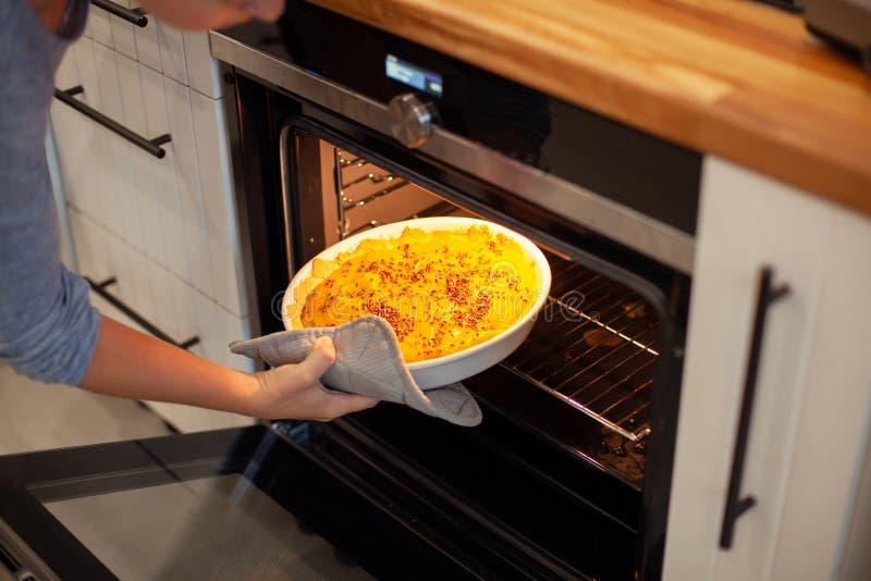 Processus de préparer le tarte de potiron vegan Régime Nourriture saine photos libres de droits