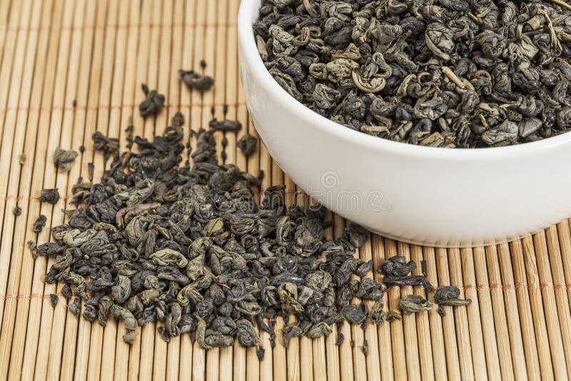 Download Proch zielona herbata zdjęcie stock. Obraz złożonej z mata - 28965068