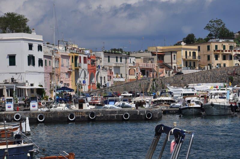 Procida, Marina Chiaiolella, Neapel - Napoli - Italien stockfotografie