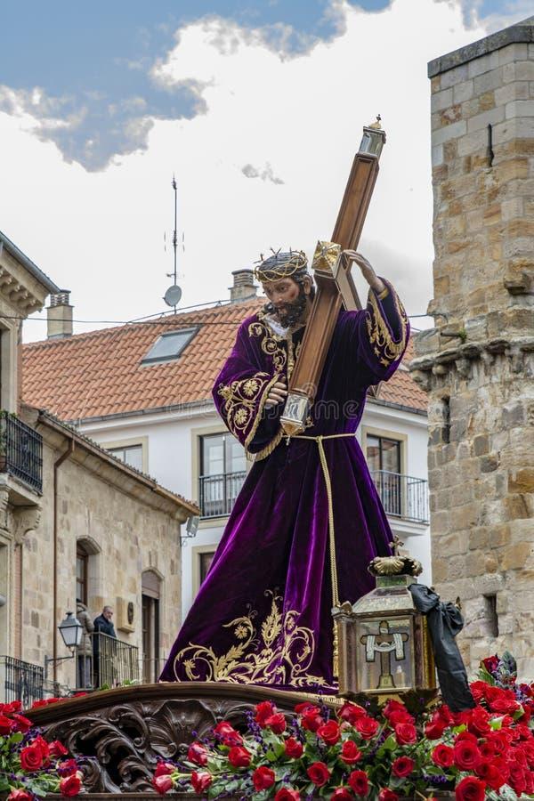 Procissão santamente de quinta-feira em Zamora, Espanha imagem de stock