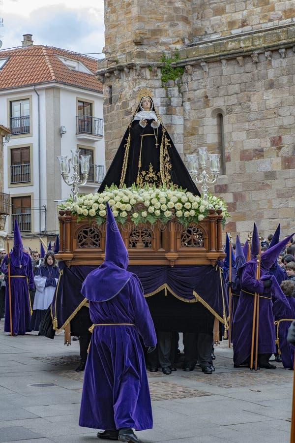 Procissão santamente de quinta-feira em Zamora, Espanha fotografia de stock royalty free