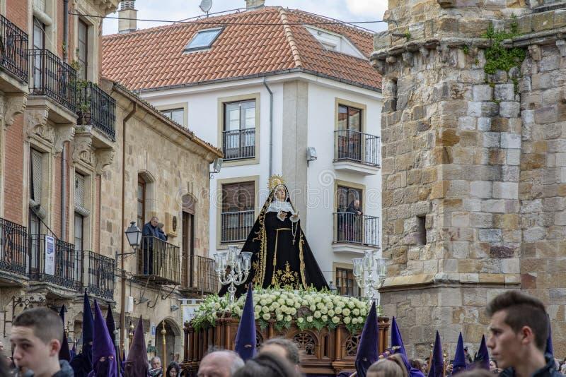 Procissão santamente de quinta-feira em Zamora, Espanha fotos de stock