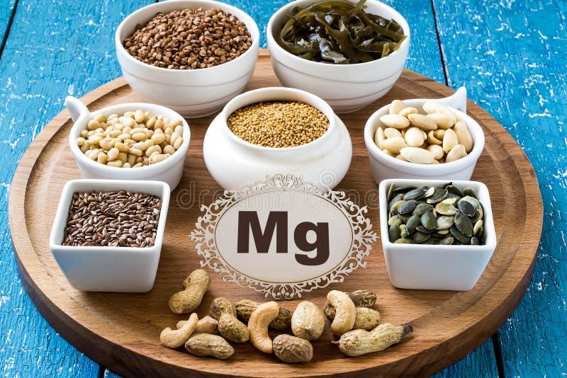 Prodotti che contengono magnesio (mg) immagini stock