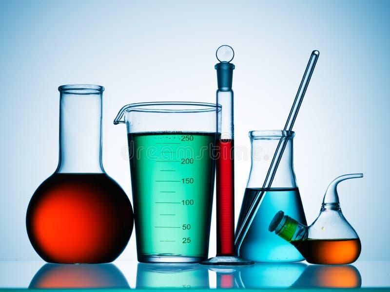 Prodotti chimici del laboratorio di scienza fotografia stock libera da diritti