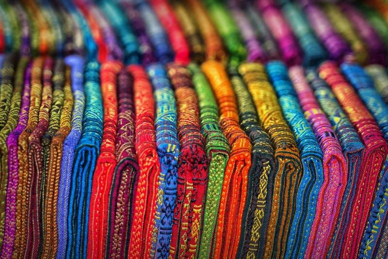 Prodotti tessili nel deposito fotografia stock