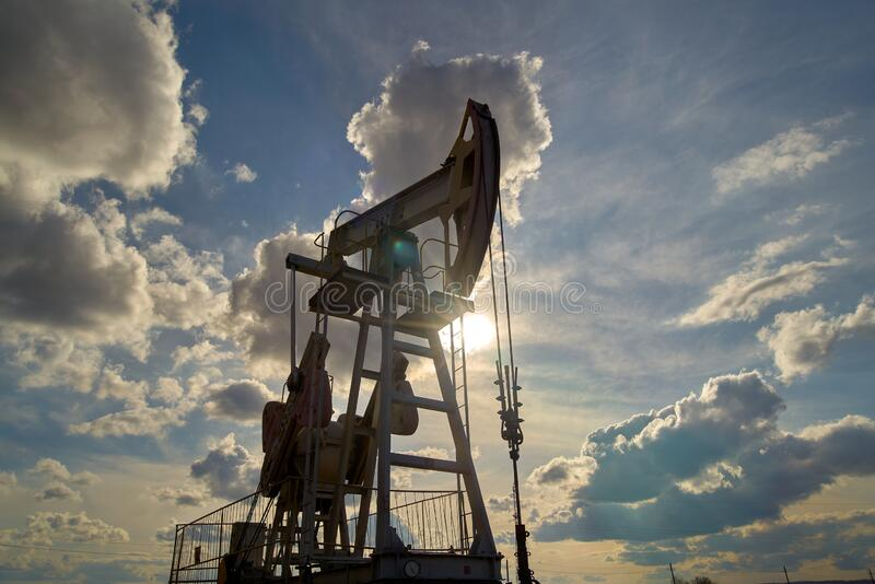 Producción de petróleo y gas fotos de archivo