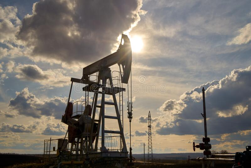 Producción de petróleo y gas imágenes de archivo libres de regalías