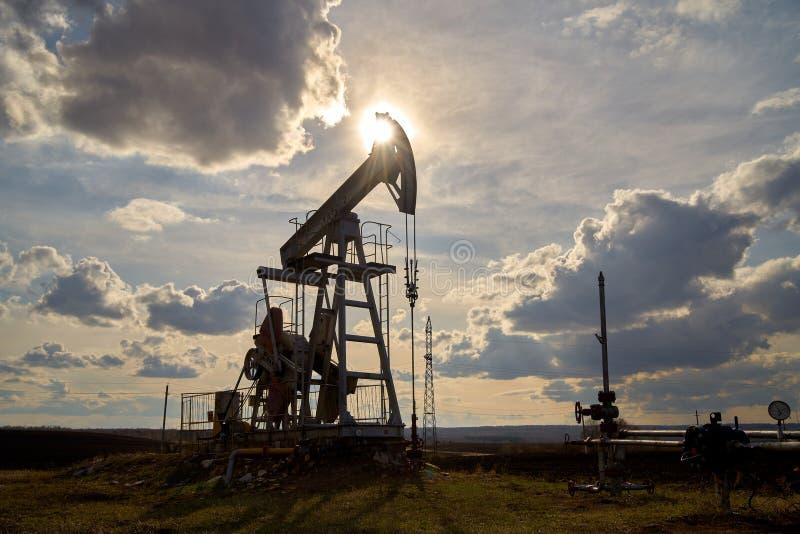 Producción de petróleo y gas fotos de archivo libres de regalías