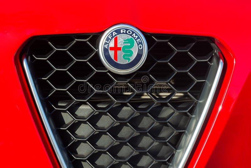 producent p romeo s för logo för alfabetiskbilbilar italiensk arkivbilder