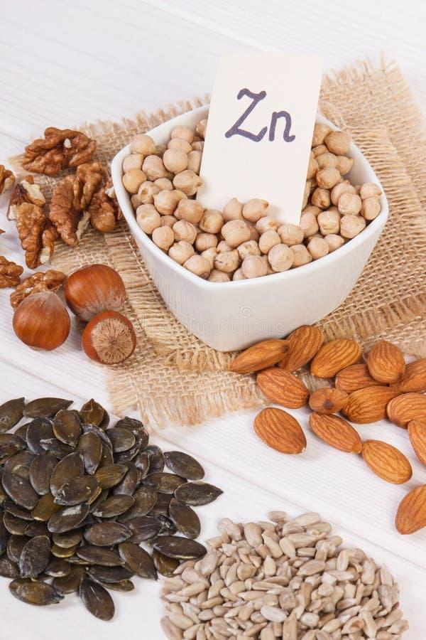 Producten en ingrediënten die zink en dieetvezel, gezonde voeding bevatten stock foto