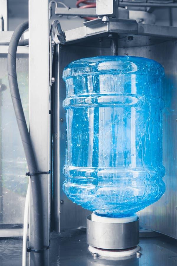 Production de l'eau de boissons photographie stock