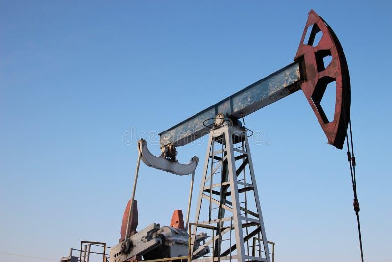 Production de pétrole pendant l'hiver. image stock