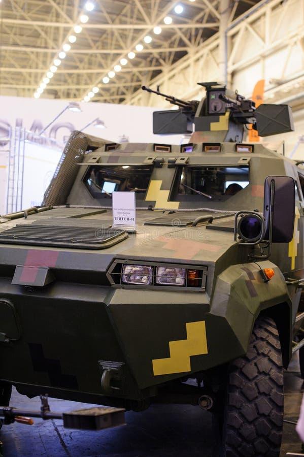 Production de véhicules blindés de KrAZ à l'exposition spécialisée photos libres de droits