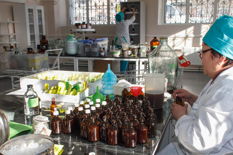 Production pharmaceutique des drogues photo stock