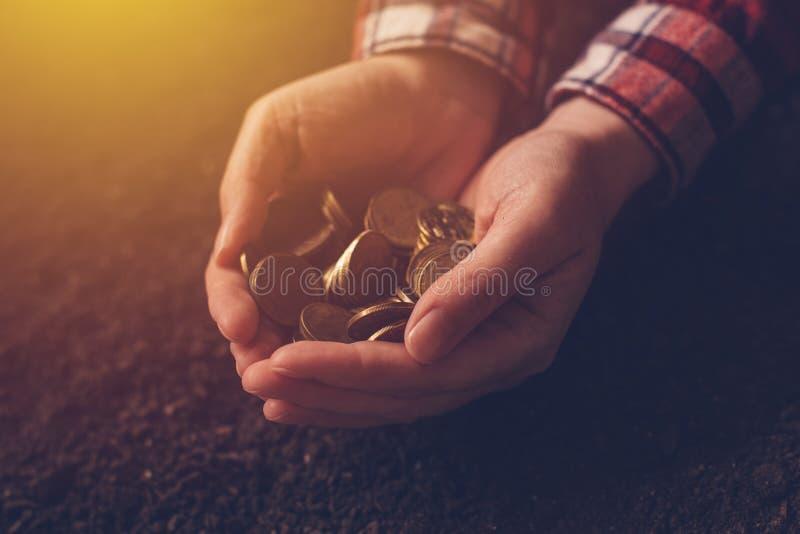 Productividad agrícola, producción del dinero y renta después de la cosecha imagen de archivo