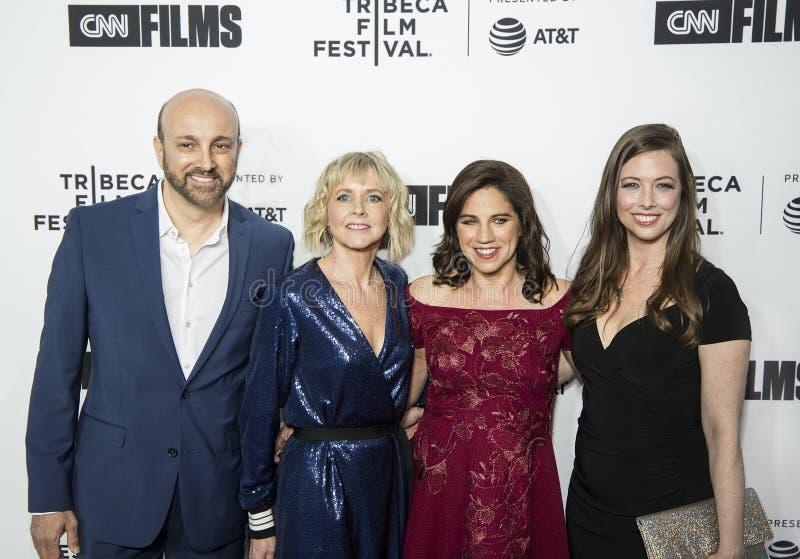 Productores y director Arrive para la noche abierta del 17mo festival de cine de Tribeca fotografía de archivo