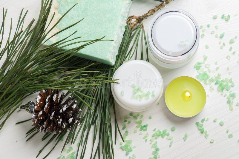 Productos de belleza y jabón hecho a mano fotos de archivo