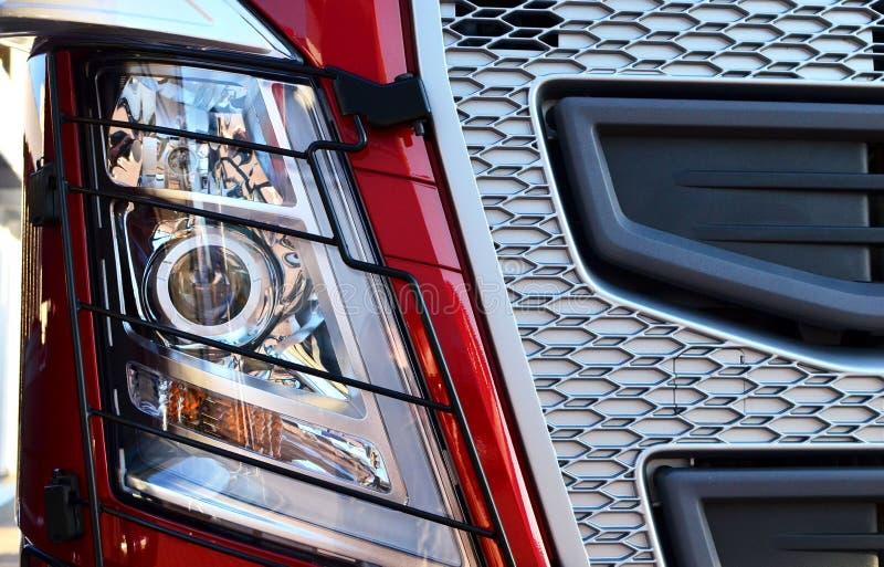 Productos de iluminación frontales para los vehículos de la en-carretera, que incluye luces corrientes y modelos diurnos integrad ilustración del vector