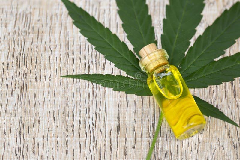 Productos del cáñamo del aceite de CBD, marijuana médica, cannabinoids y salud fotos de archivo