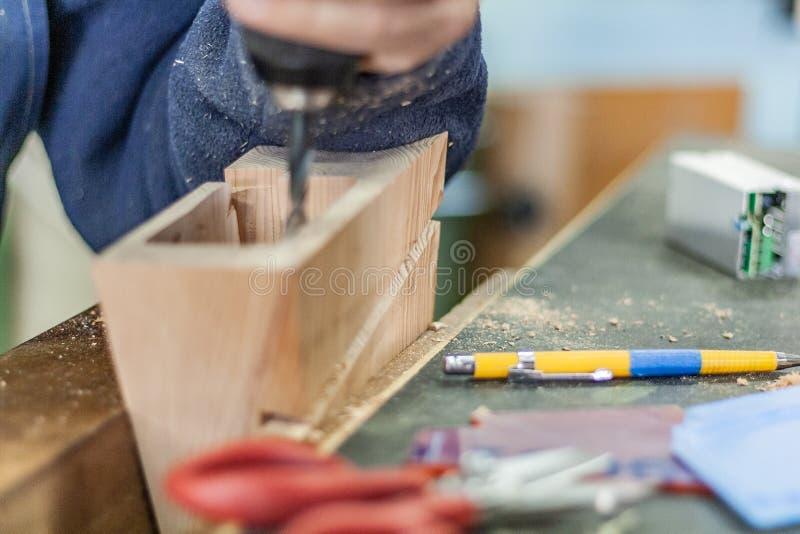 Productos del CNC Carpintería de los muebles Forma de vida de la carpintería, elementos amistosos del diseño del eco orgánico fotografía de archivo