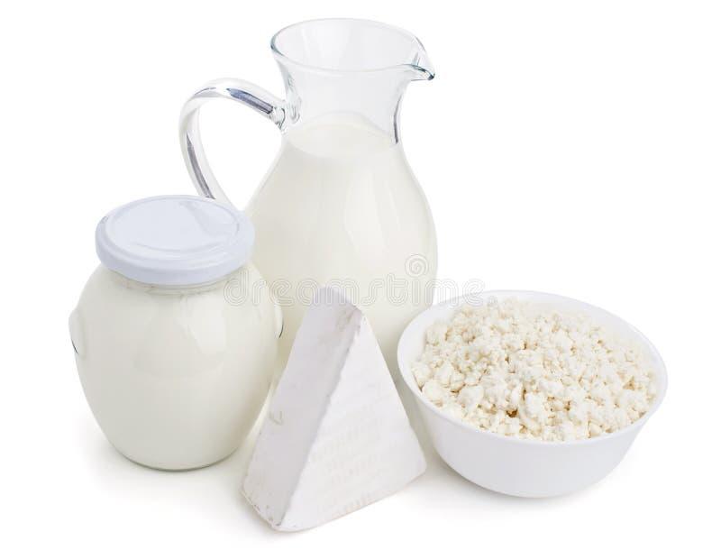 Productos lácteos aislados en blanco fotografía de archivo