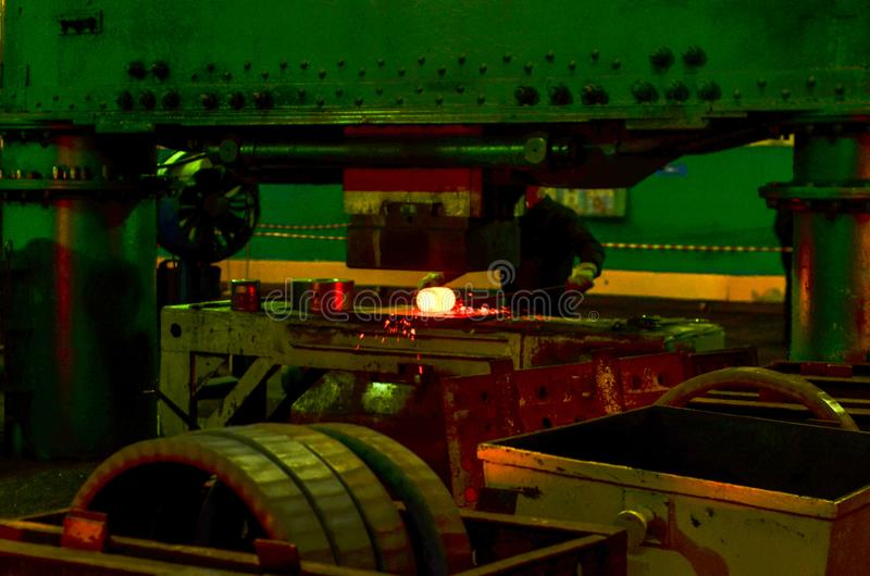 Produit chaud de pièce forgéee de haute précision, production des véhicules à moteur de partie par procédé chaud de pièce forgéee image libre de droits