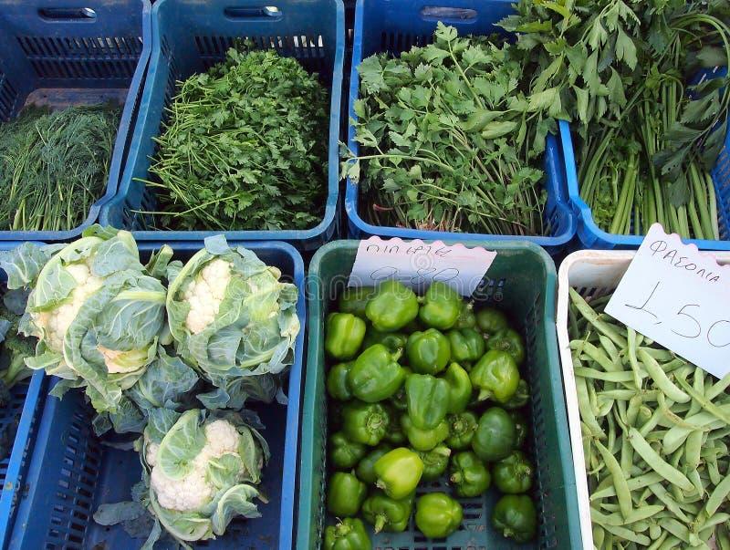 Produit cultivé sur place frais, marché en plein air grec photographie stock