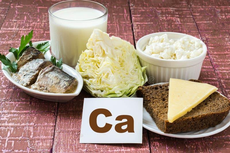 Produits contenant le calcium photos stock