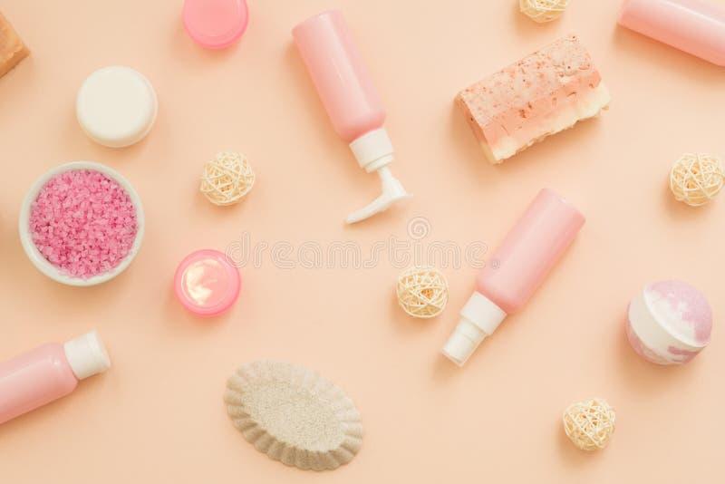 Produits cosmétiques de soin de corps de peau de thérapie de station thermale image stock