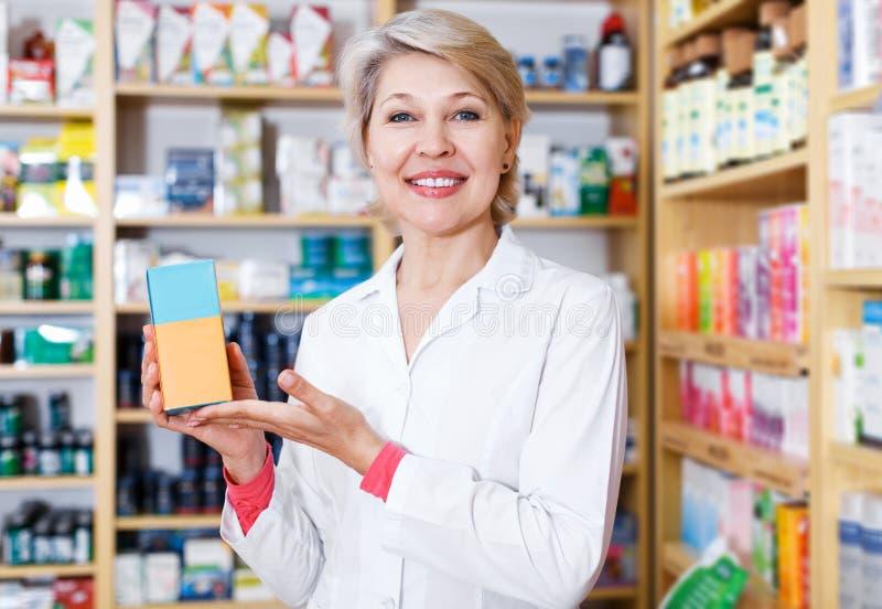 Produits de offre de vendeur des soins de la peau photos libres de droits